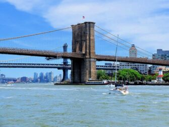 Circle Line Landmarks Cruise Brooklyn Bridge