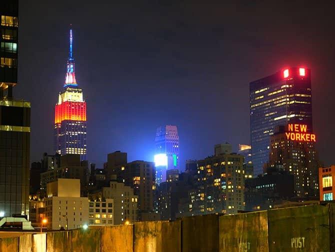 Neighbourhood Midtown Manhattan - Empire State Building at Night