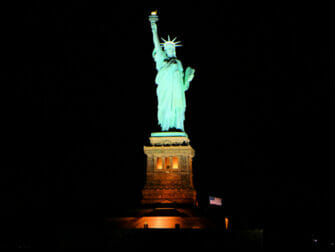 Boat Tour with Dinner Buffet - Statue of Liberty