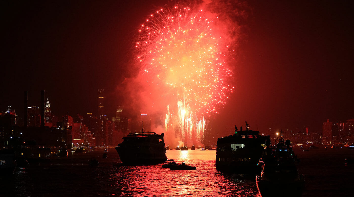 New Year's Eve Cruises in New York Fireworks