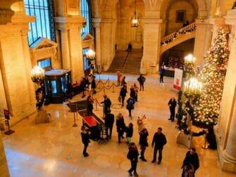 Public Library New York Entrance