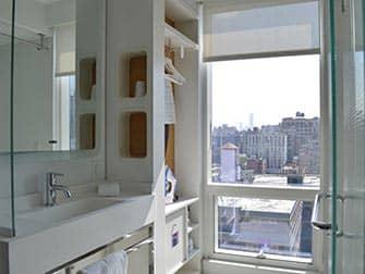 Yotel Hotel in New York - Bathroom