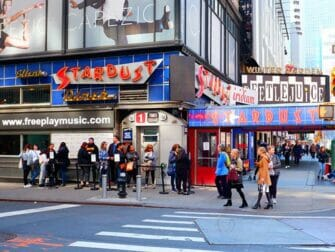 Theme Restaurants New York Ellens Stardust Diner