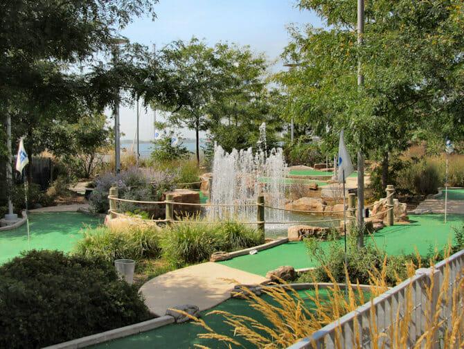 Pier 25 TriBeCa New York Mini Golf