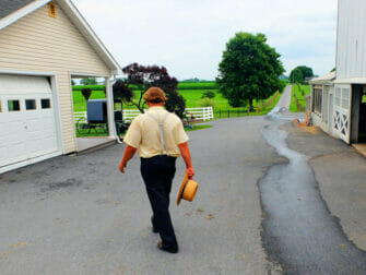 New York to Philadelphia and Amish Country Day Trip Philadelphia