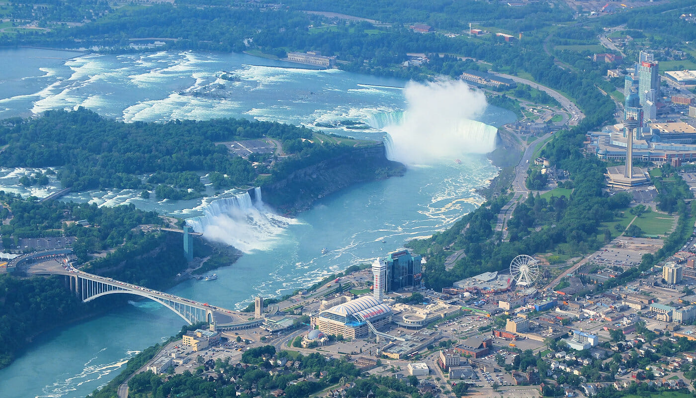 New York aux Niagara Falls en Avion Prive Vue depuis lAvion