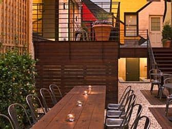 Pod Hotel 51 in New York - Cafe