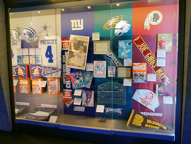 NFL Experience Times Square - artefacts