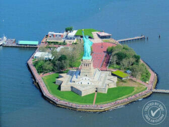 New York Helicopter Tour Statue of Liberty 2 eric both bottom right