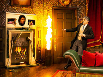 The Play That Goes Wrong in New York Tickets Fire