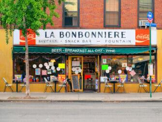Breakfast in New York La Bonbonniere