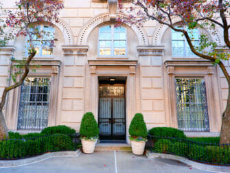 Upper East Side in New York Mansion