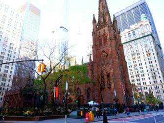 Hamilton Tours in New York Trinity Church